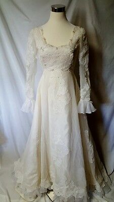 Piccione Union Made Vintage Wedding Gown Dress 9 10 White Ivory Lace Long Sleeve