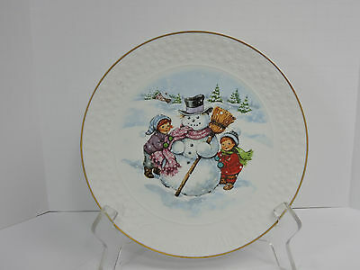 "Vintage 1986 8"" Avon Christmas Plate A Child's Christmas Frosty 22 kt Gold Trim"
