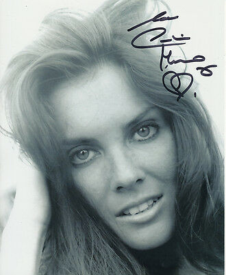 Caroline Munro In Person Signed Photo - A1098 - STUNNING!!!!!