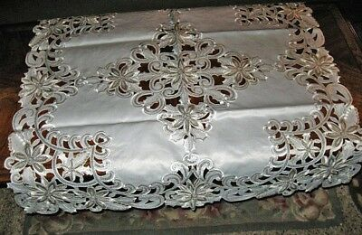 "Ivory Poinsettias Shimmery Silver Sequin Christmas Decor Tablecloth Topper 33""SQ"