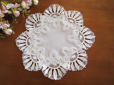 Beautiful Flower Wide Chemical Lace Round White Doily 30cm