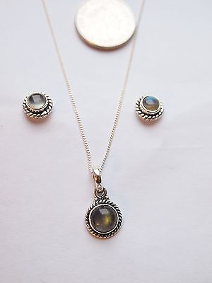 sterling silver 925 Labaradorite earstuds and pendant without chain