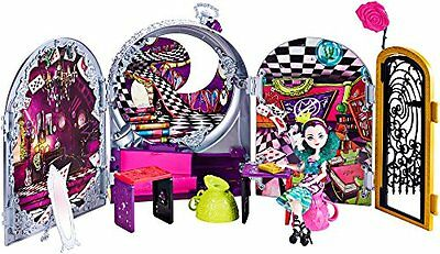 Ever After High Toy - Way Too Wonderland Playset - Plus Raven Queen Doll - of