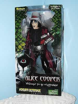 "2001 art asylum psycho  toys alice cooper doll "" welcome to my nightmare "" nib"