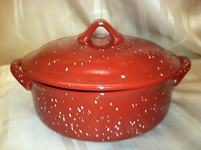 BRAND NEW W.M.G. Stoneware Red White Speckled Ovenware Lidded Casserole Dish Pan