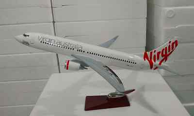 VIRGIN AUSTRALIA LARGE PLANE MODEL B737 SOLID RESIN  AIRPLANE APX 45cm 1:100