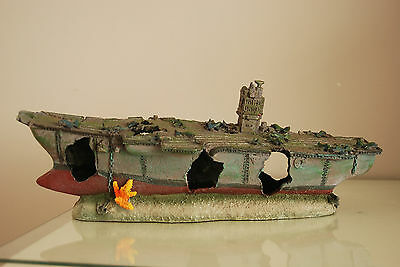 Aquarium Large Aircraft Carrier & Rock Base For Aquariums 40 x 10 x 15 cms