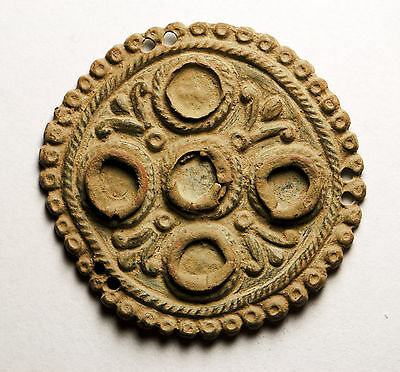 P56:  ANCIENT ROMAN :  A circular-shaped bronze decoration applique
