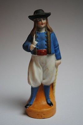 Figurine en biscuit polychrome Personnage breton costume