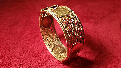 22k GOLD ANTIQUE HINGED FILIGREE BRACELET WITH EDWARD VII COINS 68 GRAMS