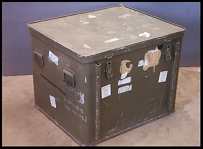 Large Ministry of Defence alloy cargo / flight box, storage