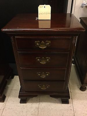 Pair Vintage Kling Solid Mahogany  Nightstands  4 Drawer pillars