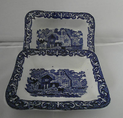 Vintage George Jones Abbey Pattern Blue & White Shredded Wheat Dish