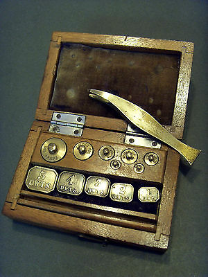 """LATE 19thC """"GOODBRAND & Co,LTD""""  FULL SET OF BOXED APOTHECARY BRASS WEIGHTS."""