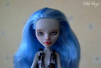 Monster High MH Ghoulia repaint par Nina Doll Doll collection