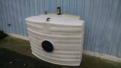 300 Gallon Free Standing Water/Chemical Poly Tank