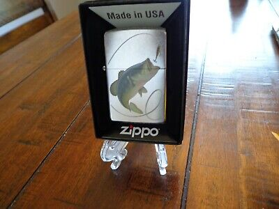 Largemouth Bass Fishing Street Chrome Finish Zippo Lighter Mint In Box