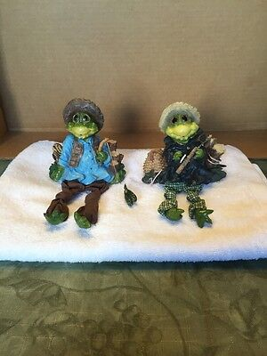 Pair Of Fishing Frogs Shelf Sitters
