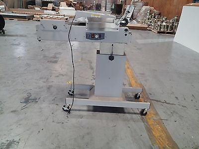 Used Pitney Bowes W983 Conveyor / Stacker with W863 Dryer
