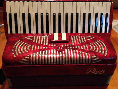 "Sonola Rivoli 17"" LM Accordion 1940's 1950's Red Mother of Pearl"