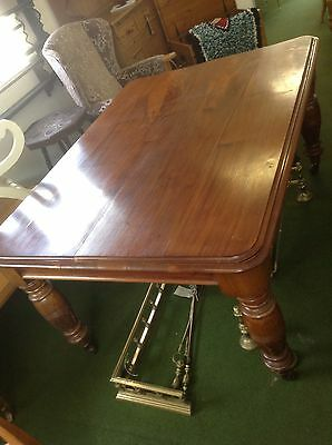 Beautiful Mahogany Victorian Dining Table With Carved Baluster Legs