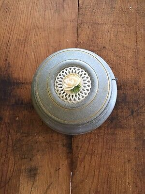 VINTAGE Small ALUMINIUM METAL MUSIC BOX ASHTRAY CARVED ROSE FLOWER POWDER PUFF