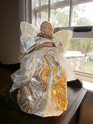 "10"" White Light-Up Fiber Optic Christmas Angel W/pearls And Lace Look"