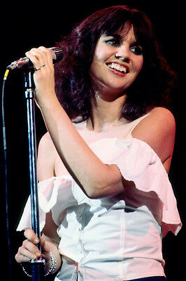 Linda Ronstadt cute candid smiling in concert 24x36 Poster