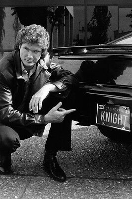 Knight Rider David Hasselhoff points KNIGHT license plate on KITT 24x36 Poster