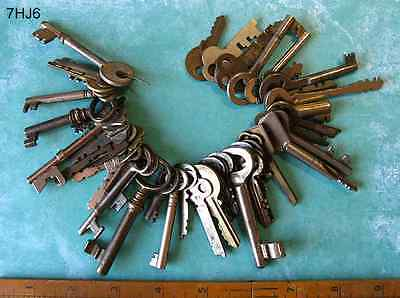 Lot 50+ GENUINE Skeleton Keys Vintage Antique - More Crafting Wedding Keys Here!