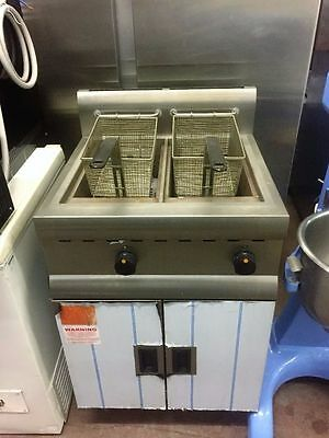 Gas Fryer Twin Tank With 2 Baskets