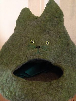 Cat Cave Bed Green