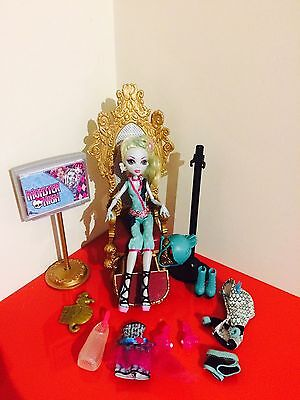 Monster High Lagoona Blue  Doll And Accessories Bundle - T1