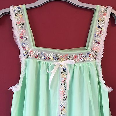 Vintage Retro Size 12 Nightdress Babydoll 60s/70s Pale Green Embroidered Layered