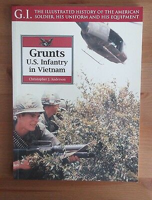 VIETNAM WAR US ARMY UNIFORM REFERENCE PHOTO BOOK anderson