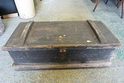 Vintage Rustic-Feel Wooden Storage Box, Solid Construction and Lockable