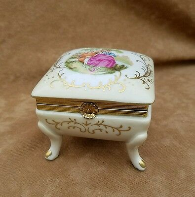 Antique 1900's Limoges Sevres Porcelain Jewelry Box C1424 Love Story Gilded