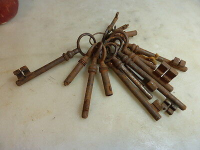 Set of antique French keys clefs!
