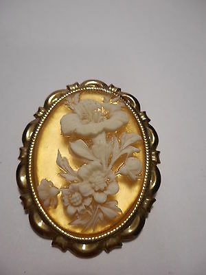 Flower Bouquet Cameo Scarf Ring Gold Tone Frame