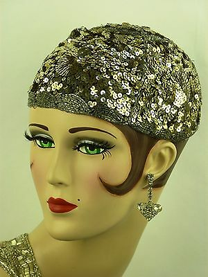 VINTAGE HAT ORIGINAL FRENCH 1920s FLAPPERS SEQUIN JULIETTE CAP IN SILVER w BEADS