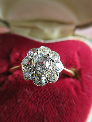 Very pretty Gold and .33 Diamond Flower Ring