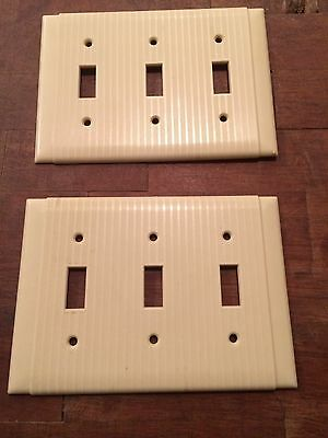 2 Vintage UNILINE ARROW H&H BAKELITE Ribbed Triple Wall Light Switch Plate Cover