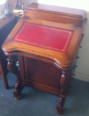 Beautiful Light Coloured Vintage Davenport Leather Top Desk In Fab Condition