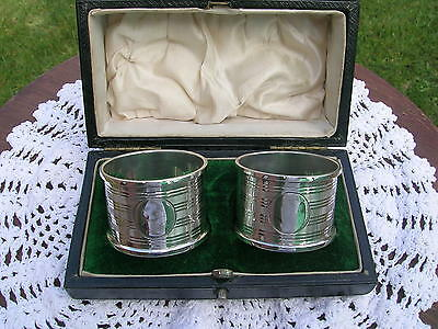 Hallmarked Sterling Silver Pair of Boxed Napkin Rings Walker & Hall 1911