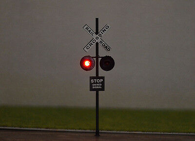 2 O Scale LED Railroad Signal Crossings + 2 Circuit Board flashers +1 IR Sensor