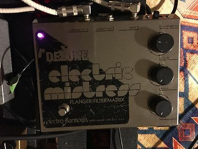 Electro Harmonix Deluxe Electric Mistress - WORLDWIDE SHIPPING - Flanger Pedal