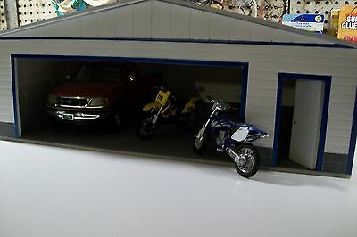 B MODEL 3 CAR PERSONAL  GARAGE 1:18 SCALE DIORAMA HAND MADE by cbcustomtoys