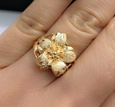 18k Solid Yellow Gold 3D Flower Ring, Diamond Cut.Sz 7. 5 Grams