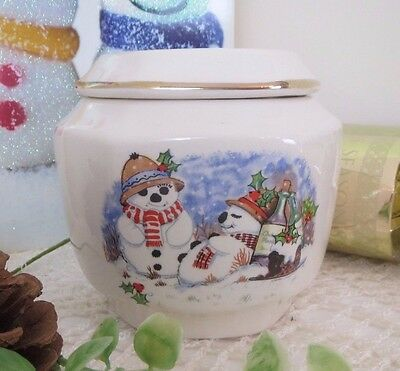 Lovely Vintage Wade Royal Victoria Pottery Snowman Christmas Lidded Dish