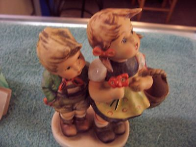 Hummel To Market 49/1 Boy And Girl